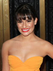 Lea Michele luciendo flequillo