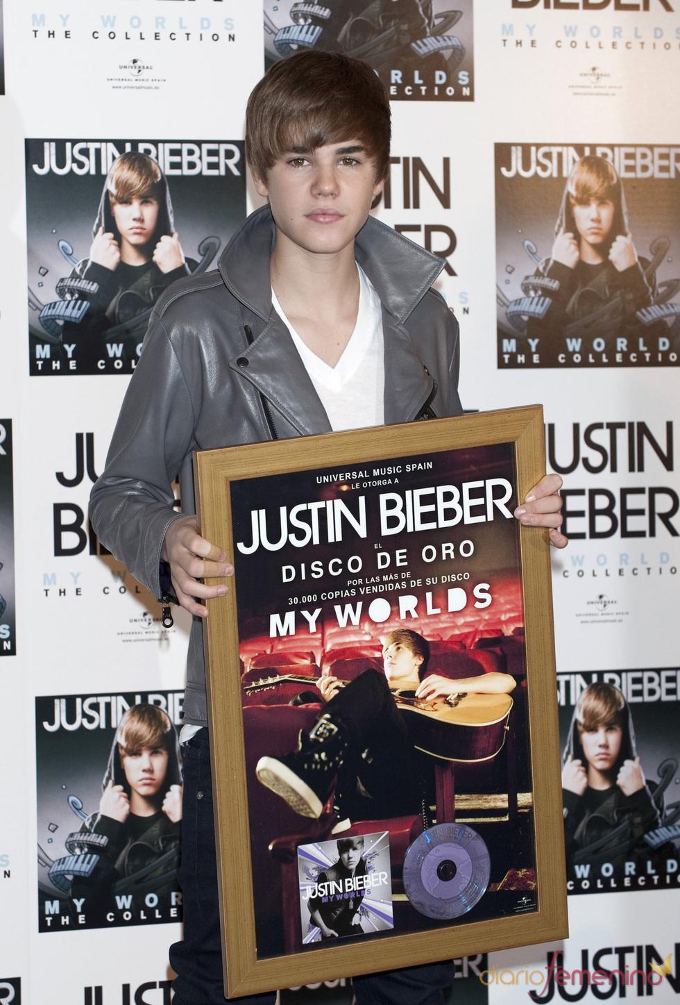 Justin Bieber recibe el Disco de Oro en Madrid