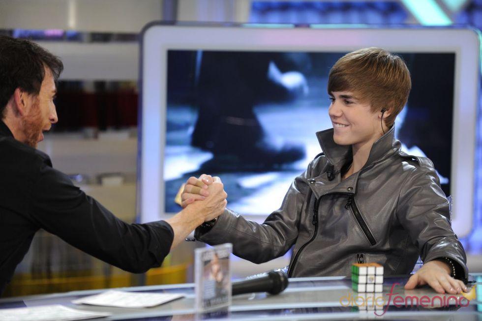 Justin Bieber, un genio del cubo de rubik