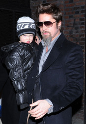 Brad Pitt con su pequeña Shiloh