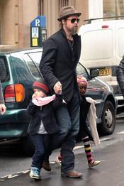 Brad Pitt, con sus hijas en Paris