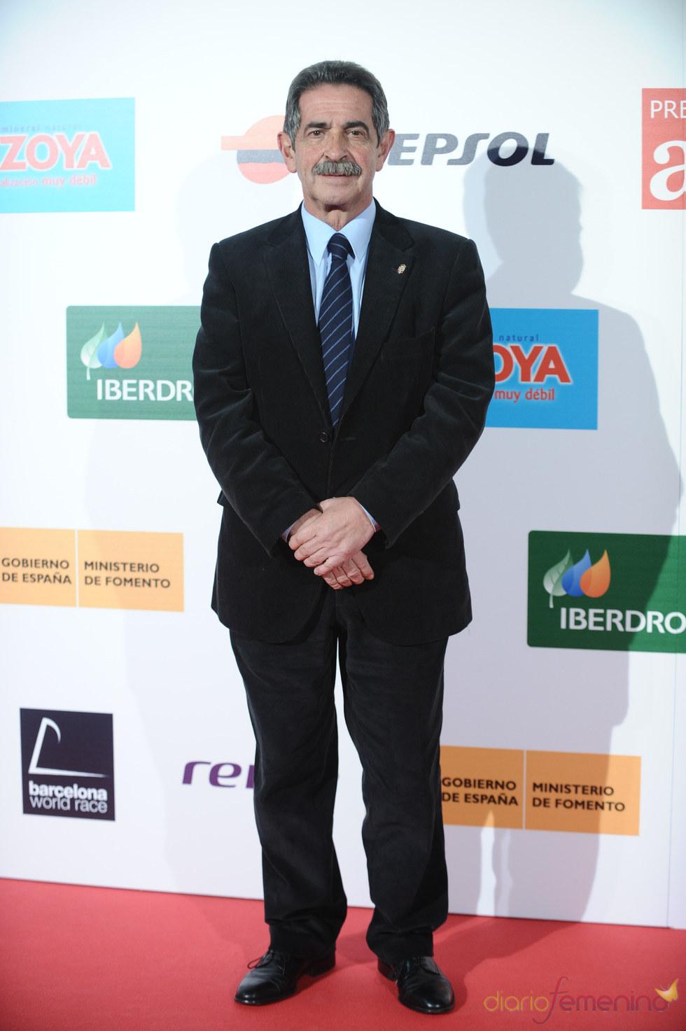 El presidente de Cantabria, Miguel Ángel Revilla, en los premios As del Deporte 2010