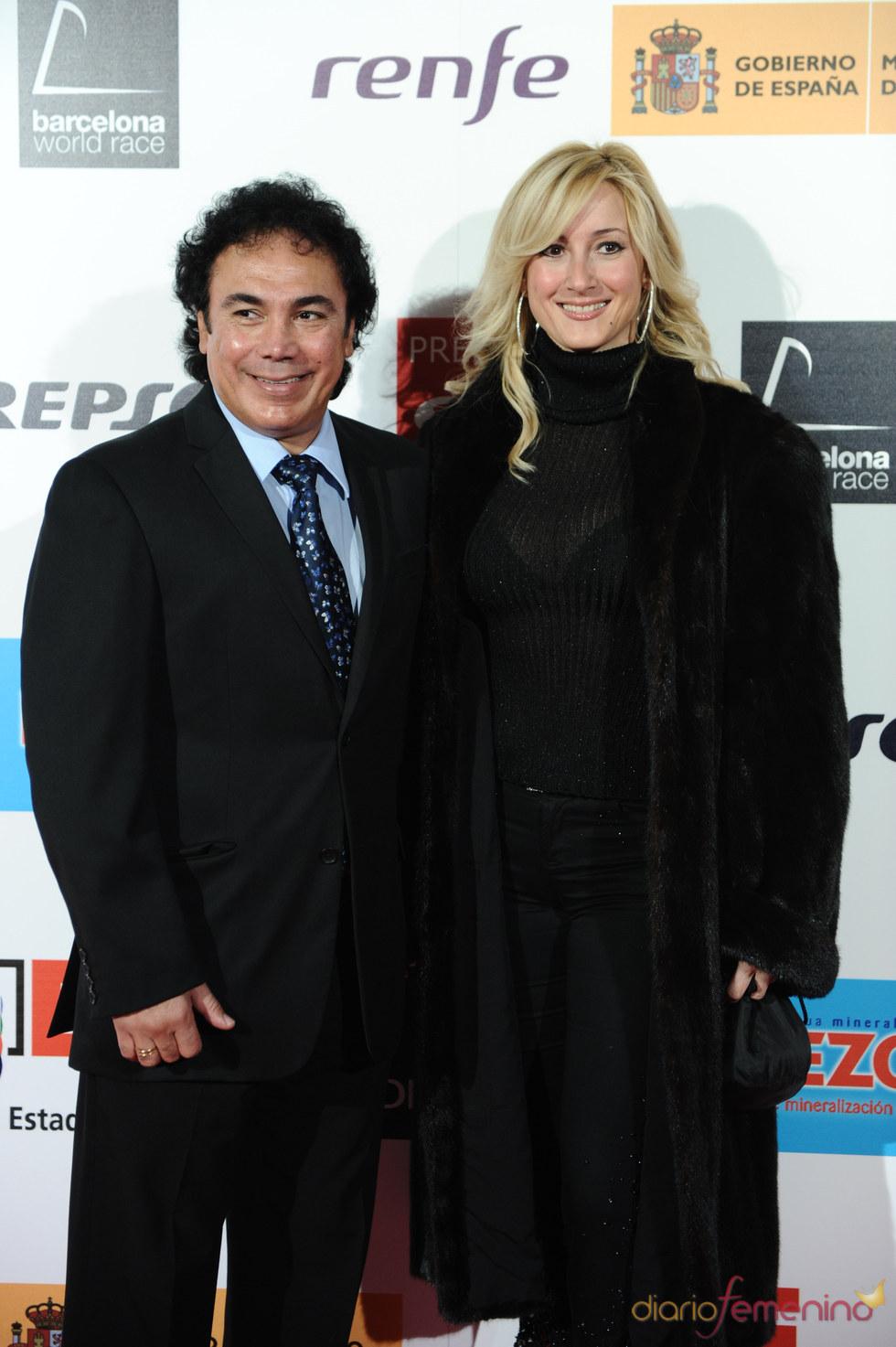 El ex futbolista Hugo Sánchez con su mujer en los Premios As del Deporte 2010
