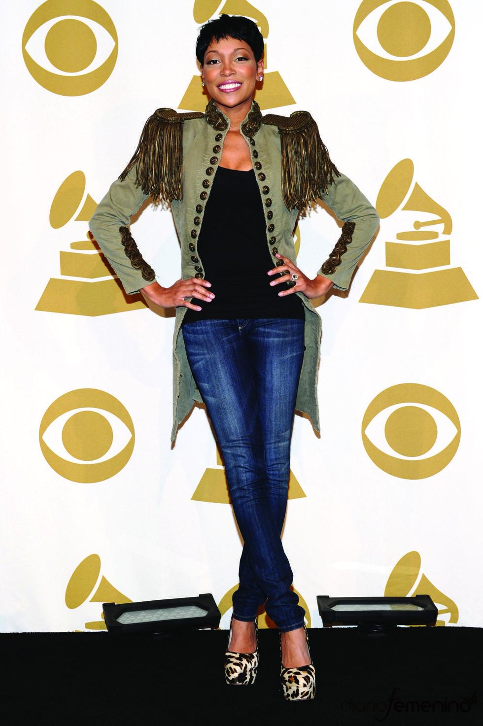 Monica Monposes asistió a las nominaciones de los Grammy 2011
