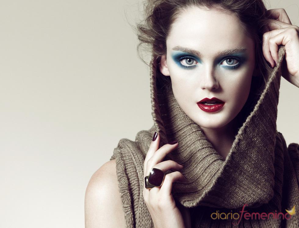 Fashion E Beauty: Tonos Azules En La Nueva Línea De Maquillaje De Blanco