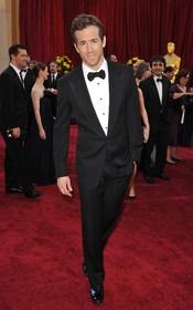 Ryan Reynolds de etiqueta en la alfombra roja