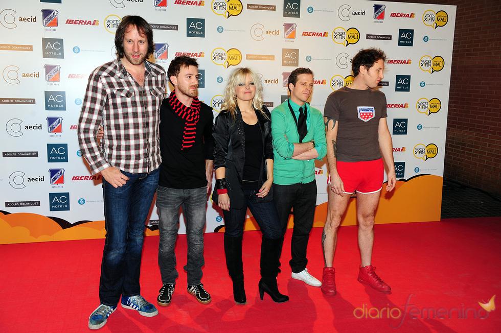 Lluvia Rojo y su grupo No Band For Lluvia