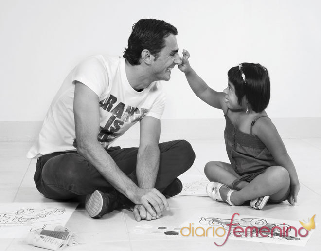 Calendario 2011 de la Fundación Talita con Pedro de la Rosa