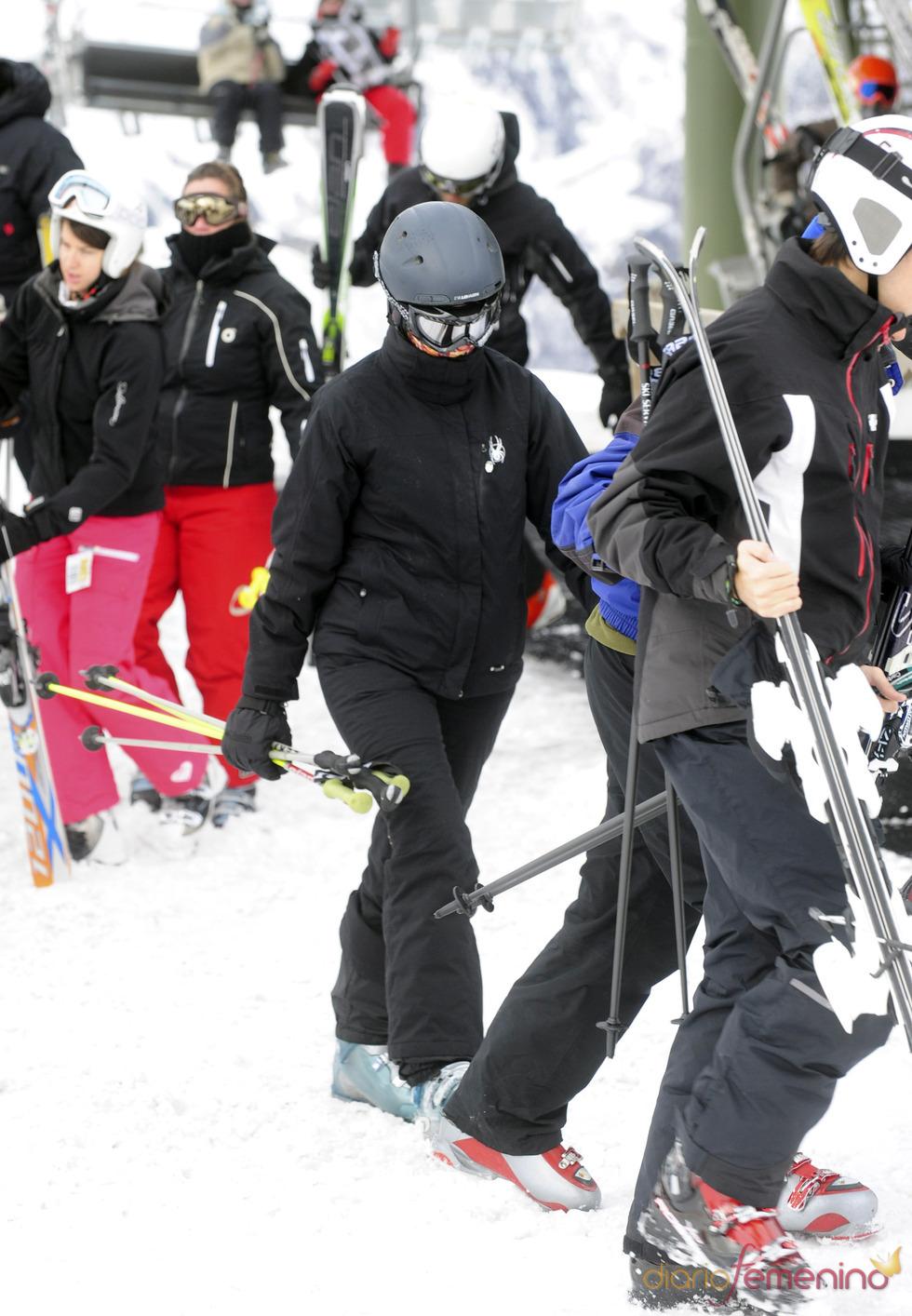 La Infanta Elena inicia la temporada de esquí en Baqueira