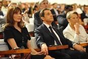 Carla Bruni y Nicolás Sarkozy hacen manitas en la India