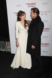 Angelina Jolie y Brad Pitt en el estreno de The Tourist