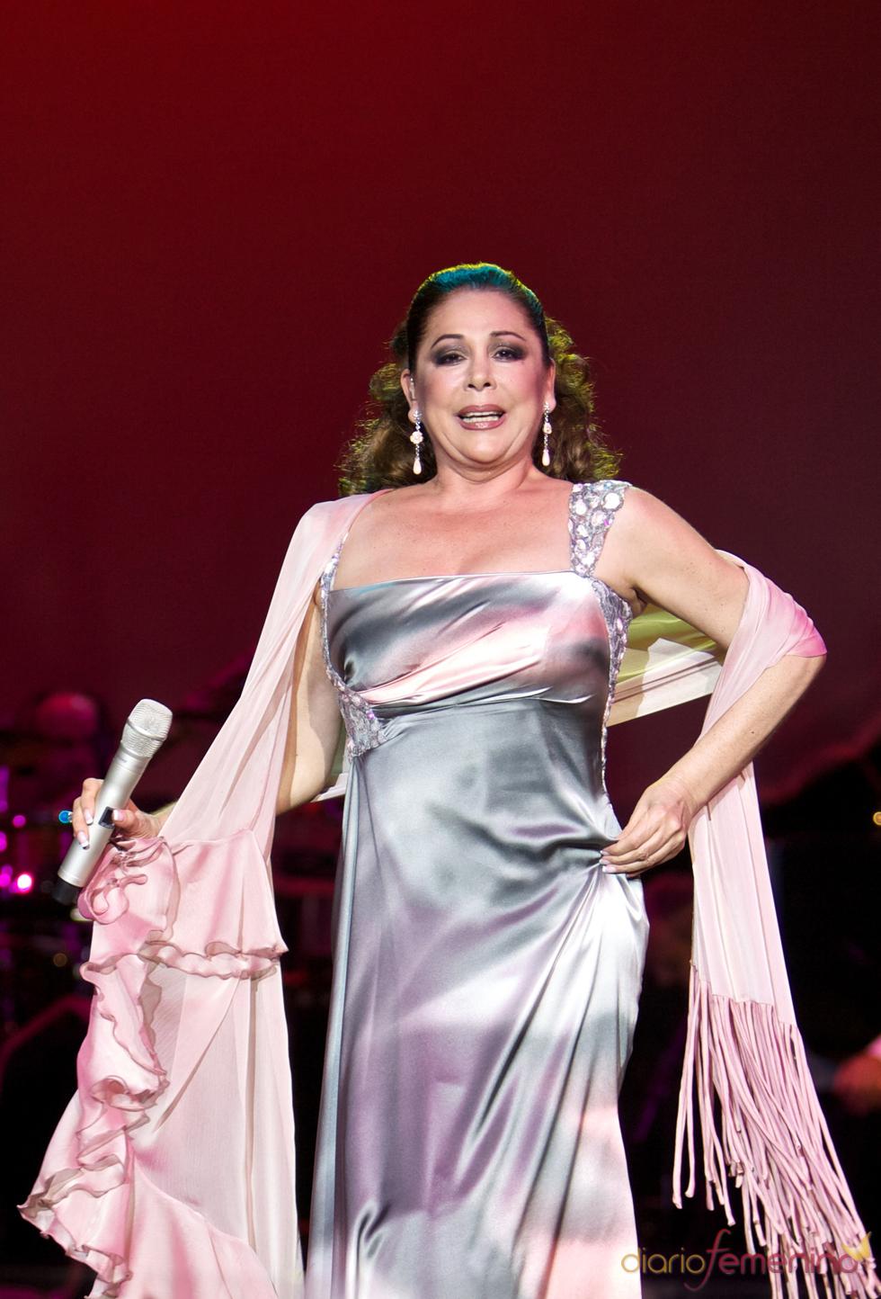 Isabel Pantoja durante uno de sus conciertos en Madrid