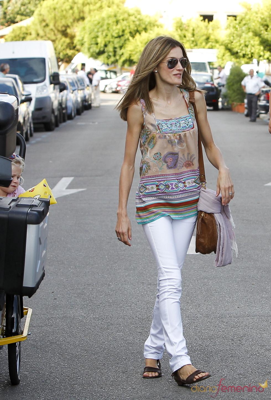 Letizia Ortiz pasea por las calles de Palma de Mallorca