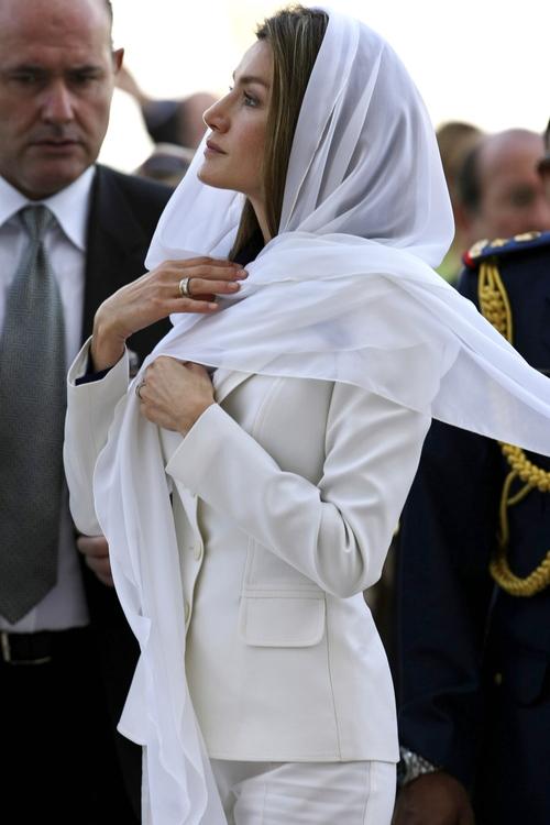Letizia Ortiz durante su visita a los Emiratos Árabes