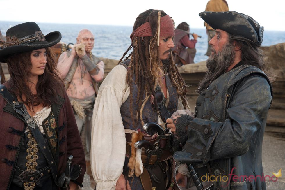 Penélope Cruz y Johnny Depp en Piratas del Caribe IV