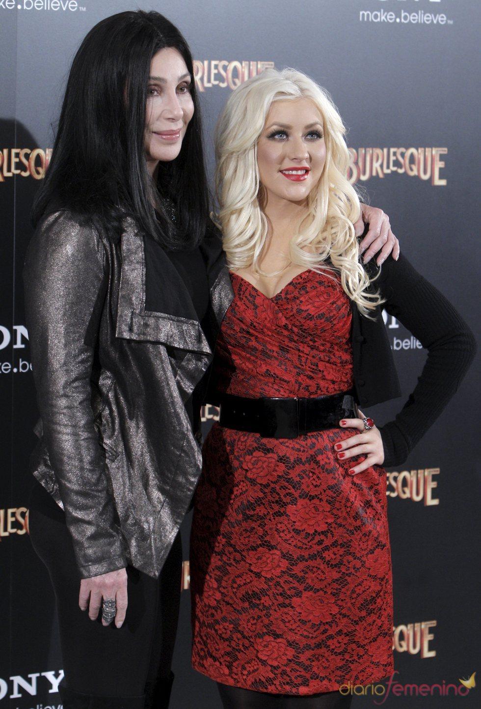 Cher y Christina Aguilera en la presentación en Madrid de 'Burlesque'