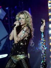 Kesha y su afición por adornar su cuerpo
