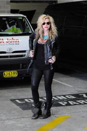 Kesha, en cueros