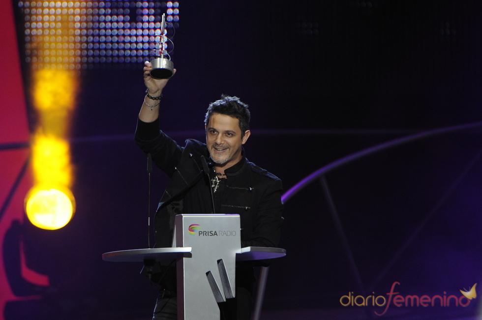 Alejandro Sanz y sus Premios 40 Principales 2010