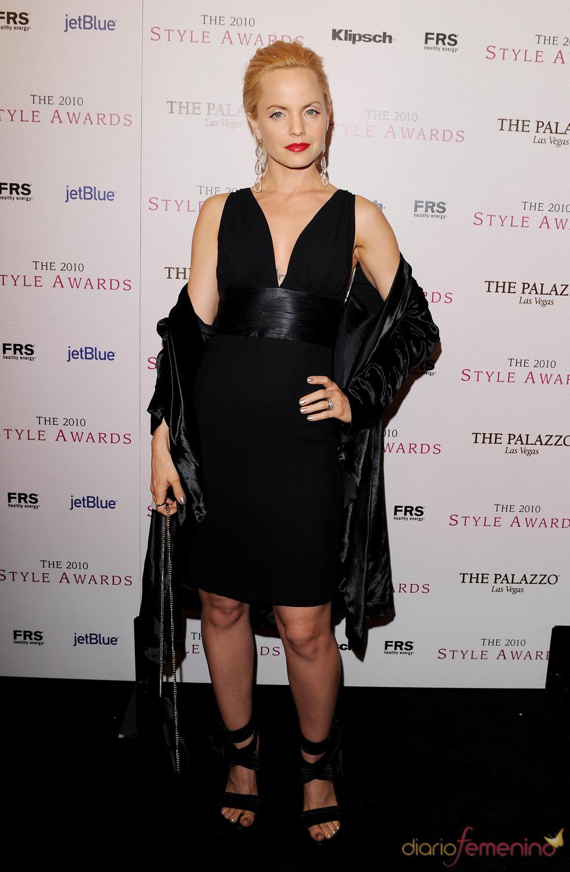 Mena Suvari en los Premios Hollywood Style 2010