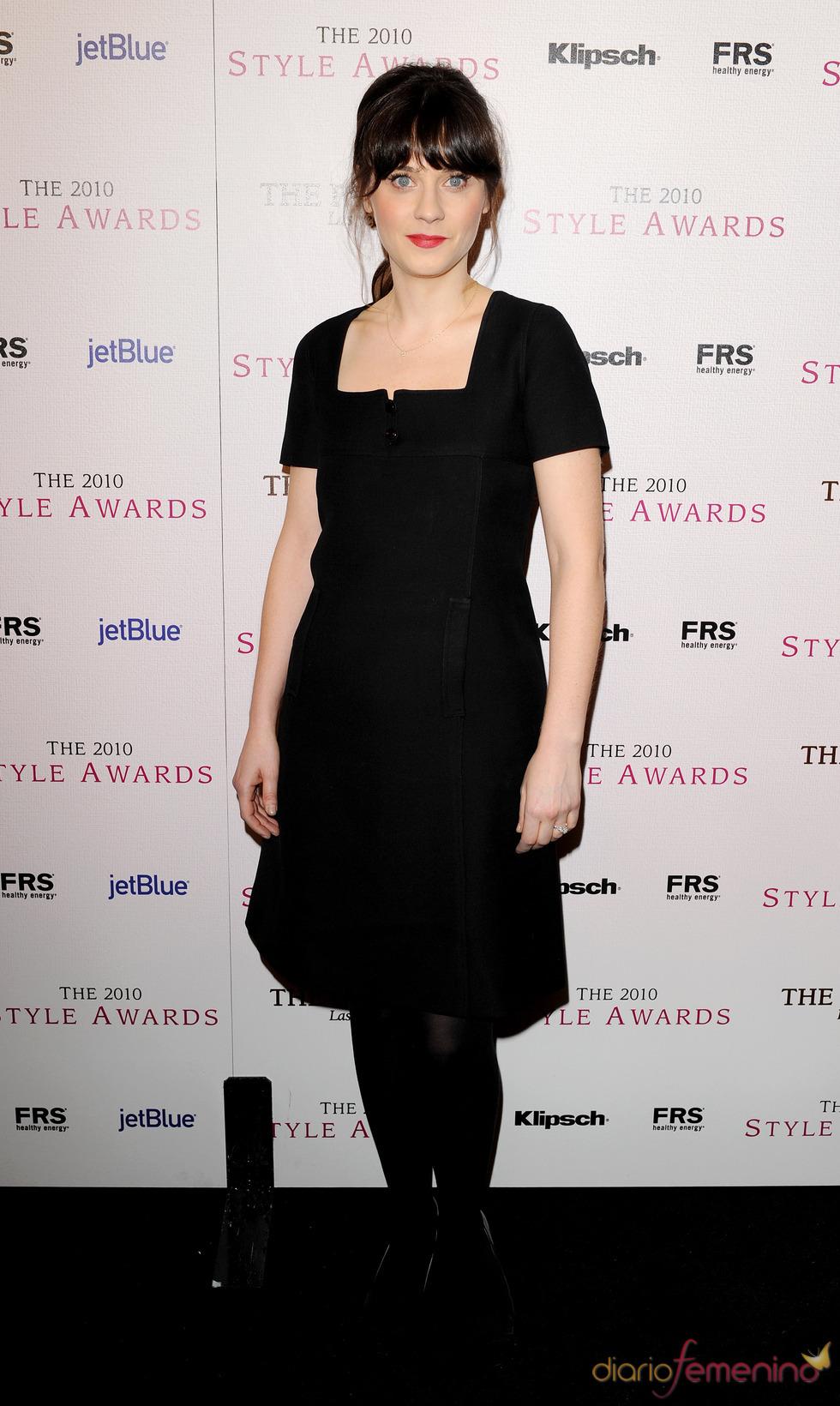 Zooey Deschanel en los Premios Hollywood Style 2010
