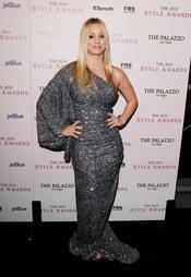 Kaley Cuoco en los Premios Hollywood Style 2010