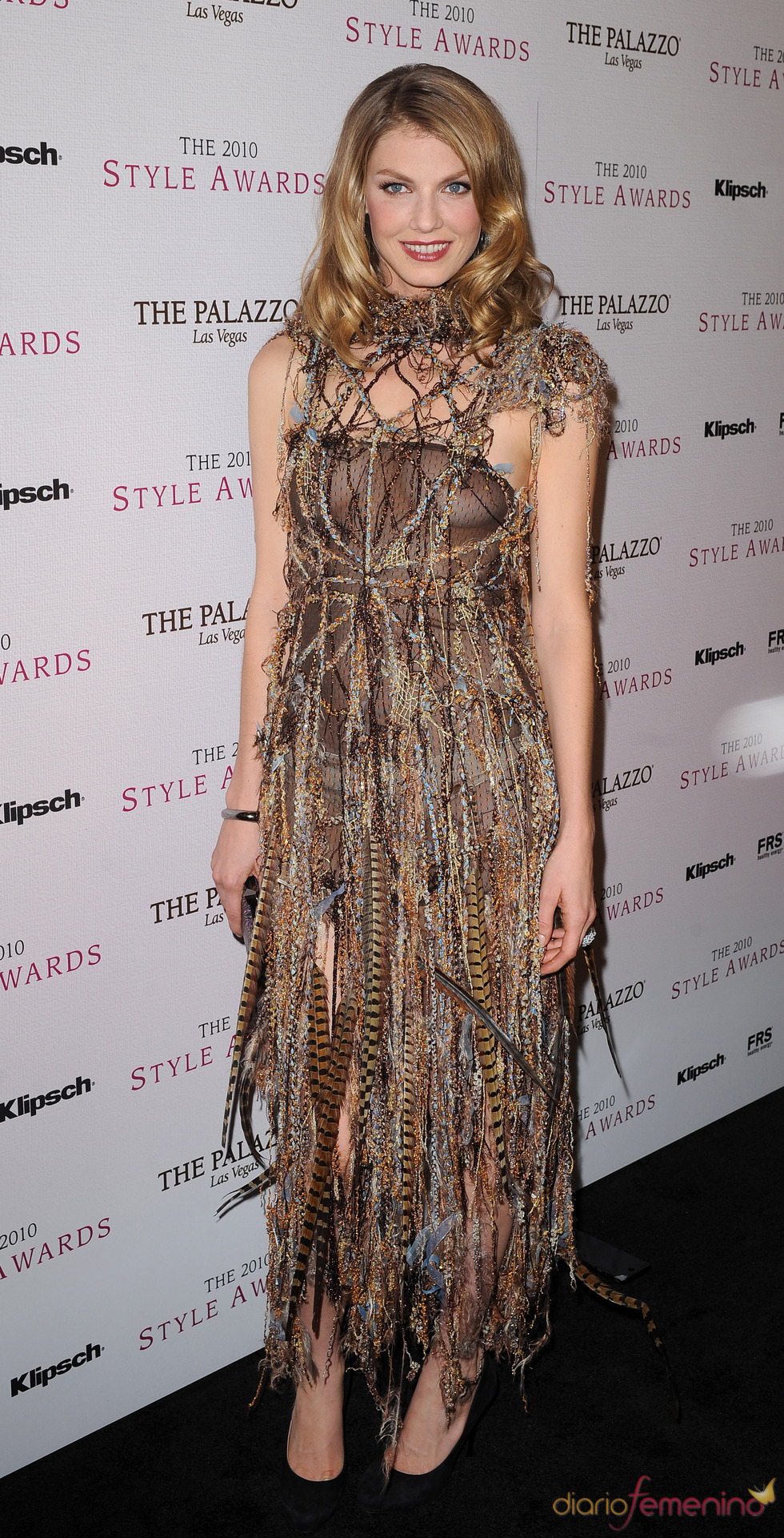 Angela Lindvall en los Premios Hollywood Style 2010