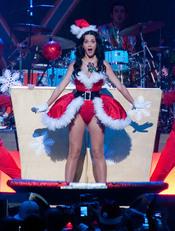 Katy Perry, 'Mamá Noel' por un día