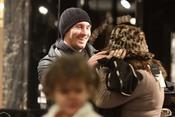 Leo Messi le prueba a su madre un sombrero
