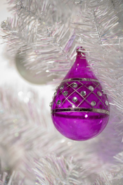 Bola fucsia para el árbol de Navidad