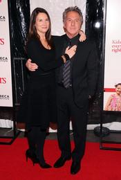 Lissa Hoffman y Dustin Hoffman en la premier de 'Little Fockers'
