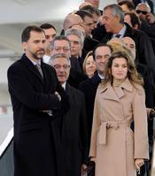 Los Príncipes pasan frío en la inauguración del AVE Madrid-Albacete