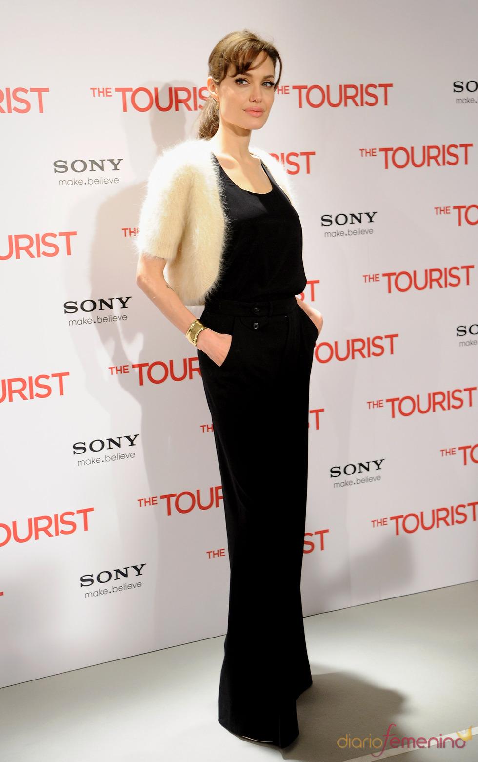 Angelina Jolie llega a Madrid para presentar 'The Tourist'