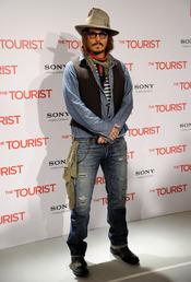 Johnny Depp llega a Madrid para presentar 'The Tourist'