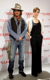 Johnny Depp y Angelina Jolie llegan a Madrid para presentar 'The Tourist'