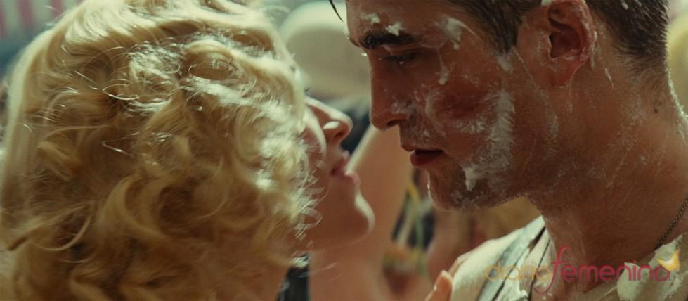 Robert Pattinson y Reese Witherspoon acaramelados en su próxima película