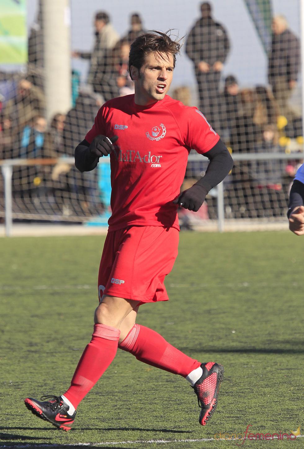David Bustamante durante el partido de fútbol solidario
