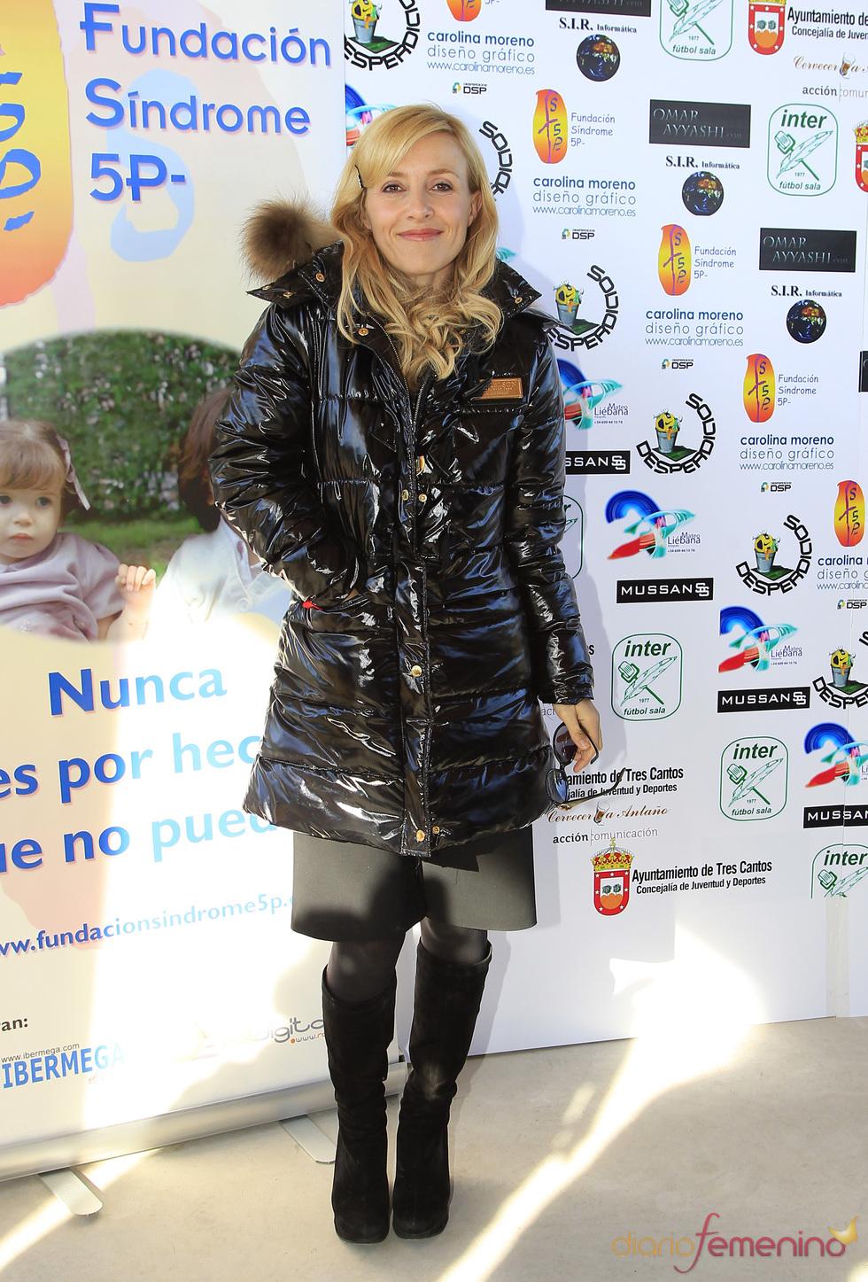 Cayetana Guillén Cuervo acudió junto a su marido y sus hijos al partido benéfico