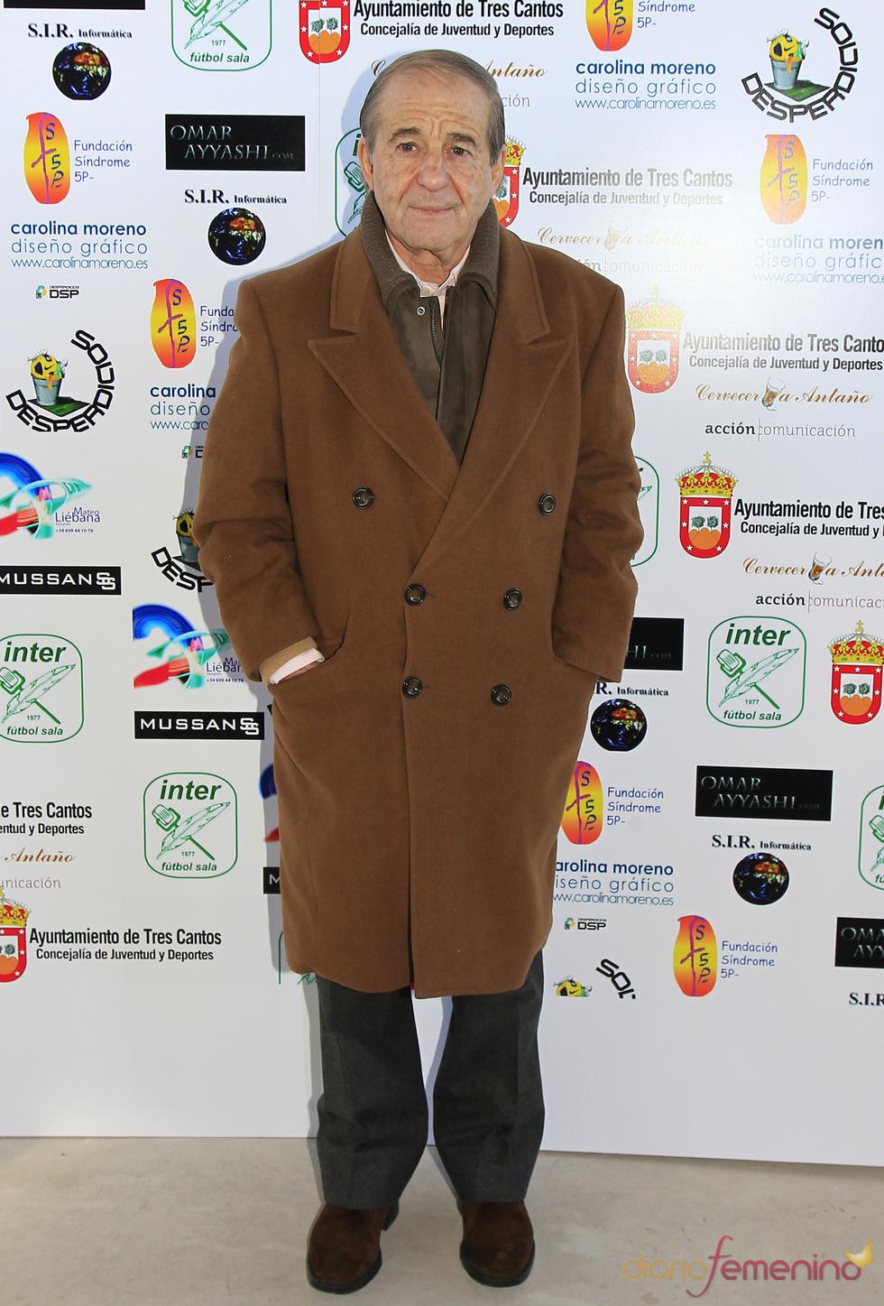 José María García no quiso perderse el partido de fútbol solidario