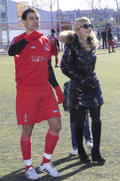 Cayetana Guillén Cuervo con su marido Omar y su hijo Leo