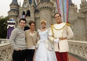 Kevin Jonas y Danielle en Disneyland, Florida