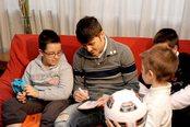 David Villa adorado por los niños