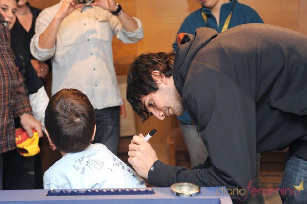 Ricky Rubio adorado por los niños