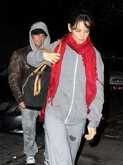 Katie Holmes y Tom Cruise con cara de pocos amigos después del gimnasio