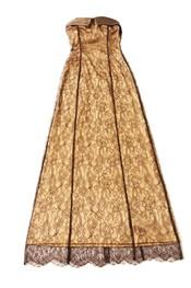 Vestido dorado de Penélope Almendros