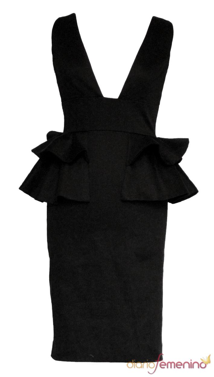 Vestido negro con gran escote de Guatequecacahuete