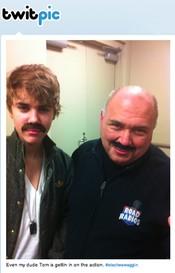 La nueva moda de Justin Bieber: el Stacheswaggin