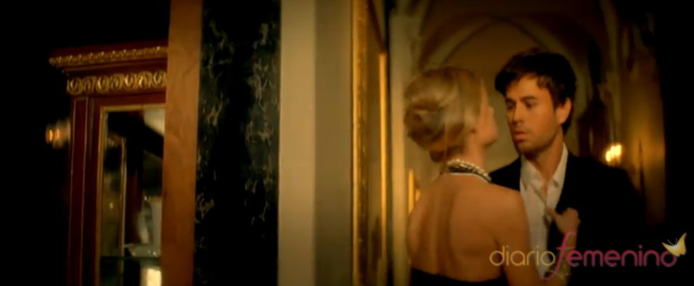 Enrique Iglesias enamora en su último videoclip