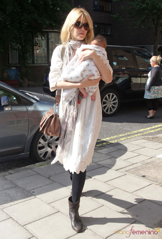 Claudia Schiffer con su hija Cosima Violet Vaughn
