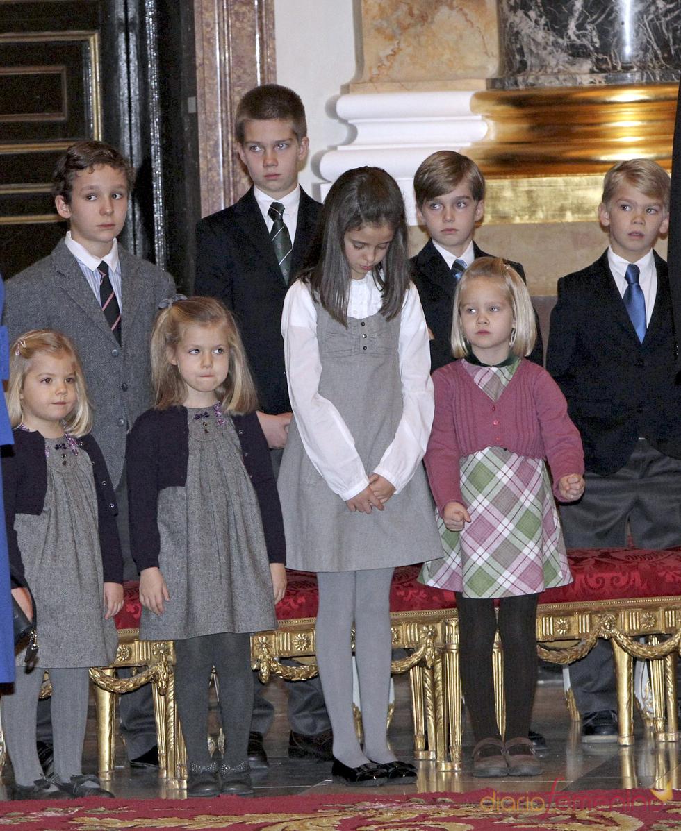 Los nietos de los Reyes de España en el Palacio Real